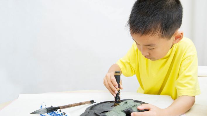 儿童在什么年龄段学习书法合适?