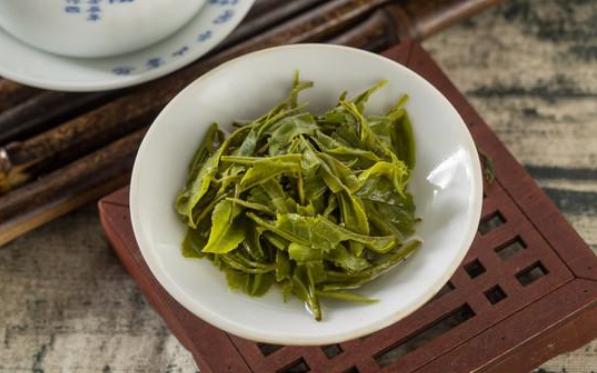 这款茶,与乾隆爷无关,但看到名字却能想起,它是湖北省众茶之首
